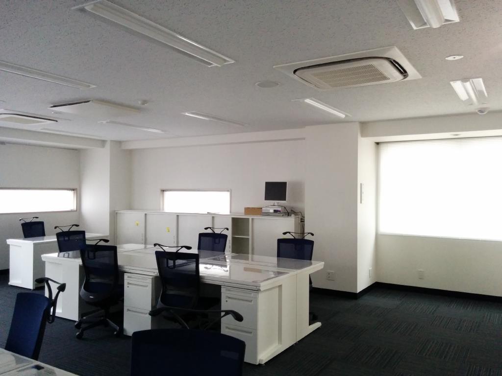 東京都C社